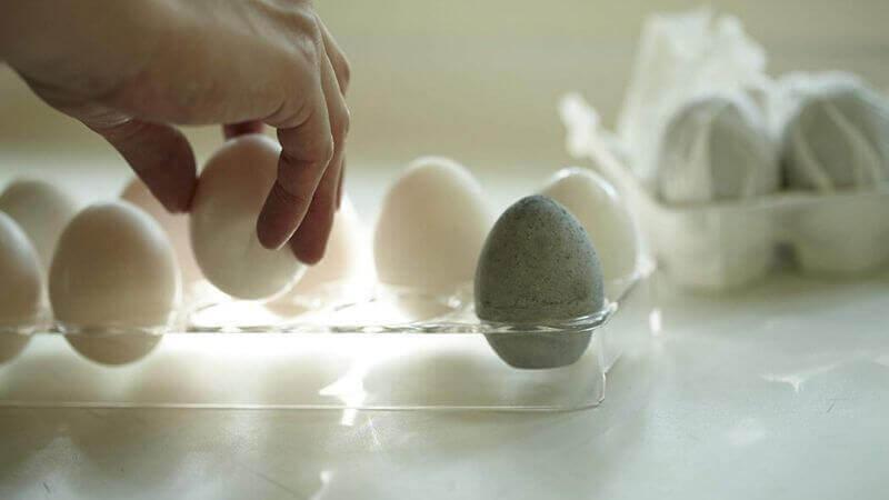 珪藻土を使った卵型除湿グッズ
