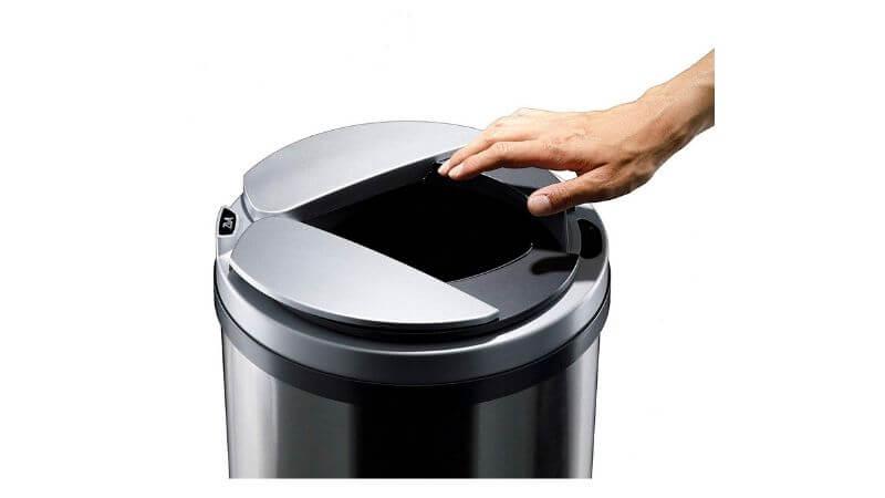 横開きする自動ゴミ箱
