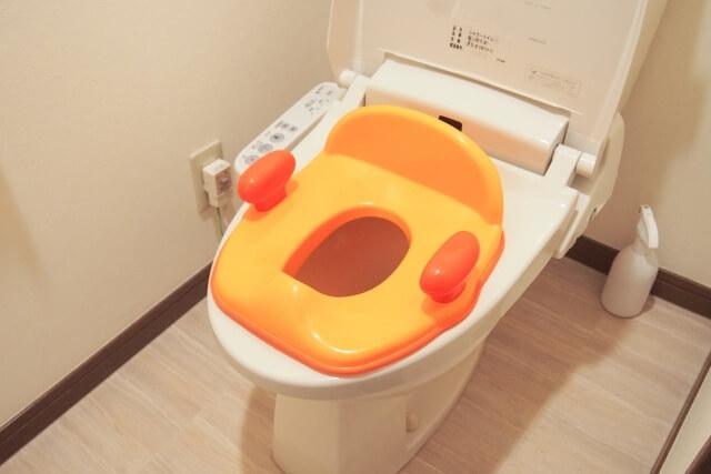 トイレトレーニング用の補助便座