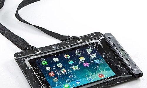 【厳選】iPad対応のおすすめ「防水ケース」ランキング!お風呂や海でタブレット端末を使いたい人は必見!