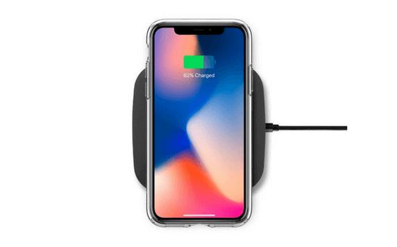 ワイヤレス充電機に置かれるiPhonex