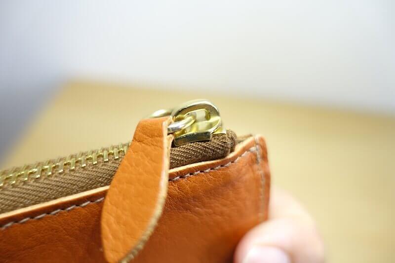 イルビゾンテの財布のファスナー