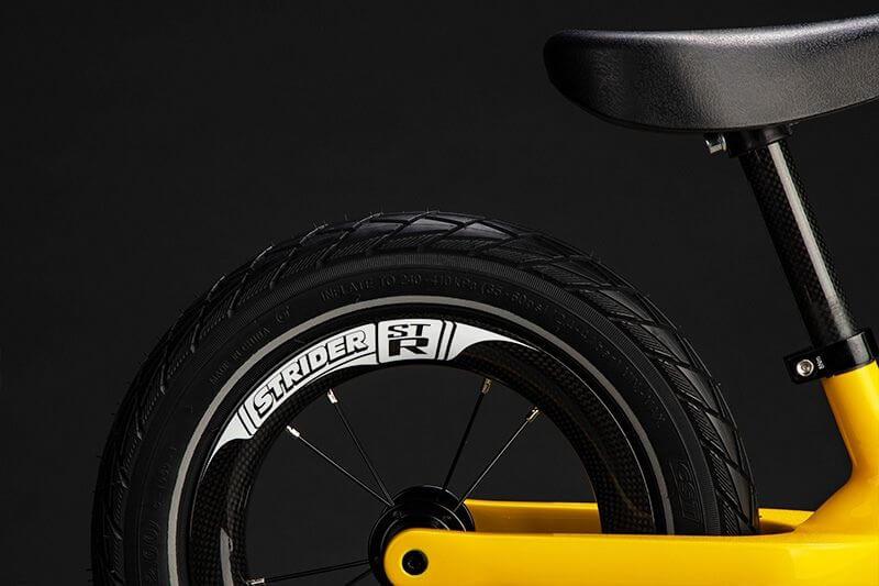 ストライダーST-Rのタイヤ