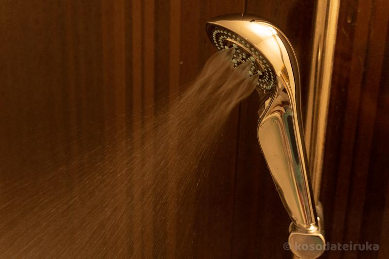 リファファインバブル Sシャワーヘッドのミスト水流
