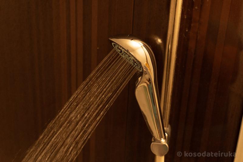 リファファインバブル Sシャワーヘッドのパワーストレート水流