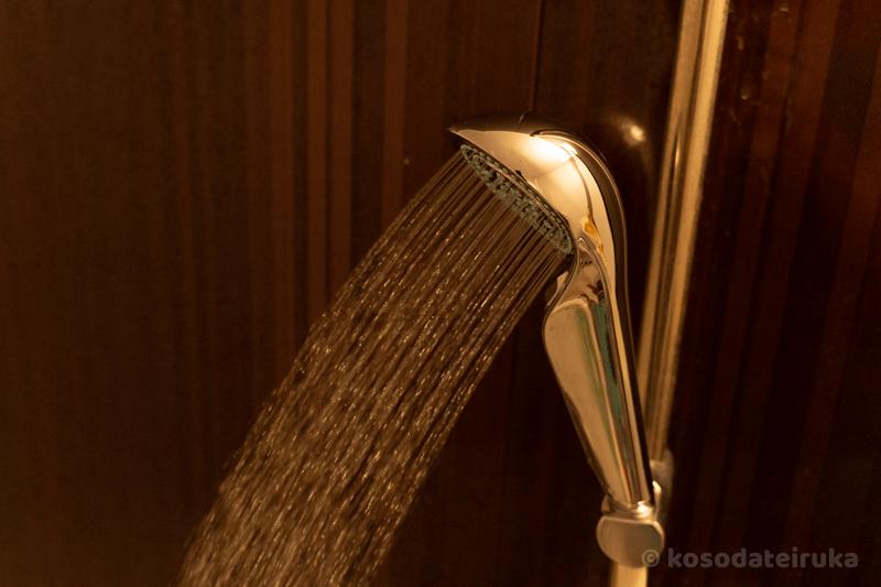 リファファインバブル Sシャワーヘッドのストレート水流